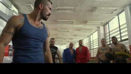 肌肉男的拳���抗,太震撼了!