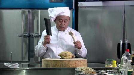 超级大恶搞!男子把假手指放在食物中,吓呆餐厅顾客