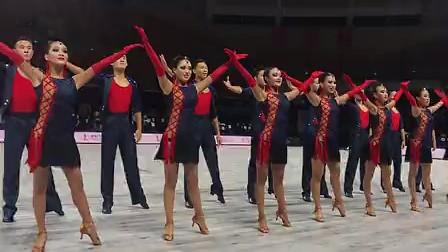 武汉体育舞蹈艺术学校队列舞《穿越》