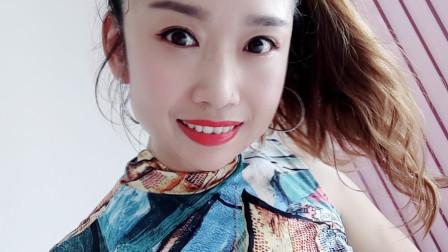 点击观看《京京摆胯舞视频 动感32步爱情火龙果》
