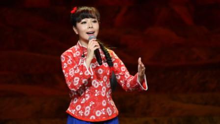 当王二妮在演唱会献唱这首肉麻情歌,台下很多歌迷都泪流不止,太心酸了