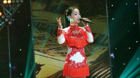 王小妮一首《问哥哥》唱的太肉麻了,比王二妮还火,嗓音醉人