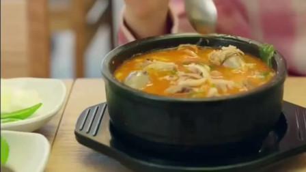 《一起吃饭吧》辣酱炒牛肠吃完,再来一碗米肠汤,真正的吃货总是知道好的搭配