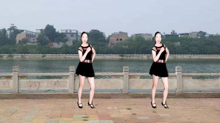 驿城微笑排舞 雨中旋律 旋律优美舞步潇洒好看