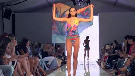 2020迈阿密泳装周GOTTEX模特走秀,肤白俏丽的超模,身材凹凸有致