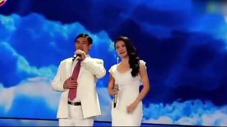 这才是朱之文的老婆,两人牵手合唱一首肉麻情歌,这嗓音绝了!