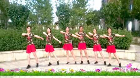 中老年水兵舞视频《十送红军》建群村舞蹈团队