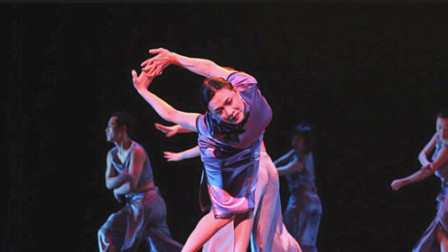 看完杨丽萍跳舞,再看金星跳舞,网友:简直不是一个境界!