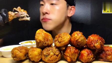 美食吃播:大胃王小哥吃炸鸡腿,大口吃肉,看着就很开胃