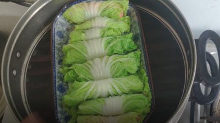 老李天天美食:能起到润肠,帮助消化的功能的火腿白菜卷