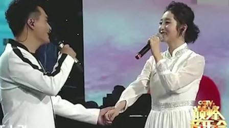 云飞,云朵因歌结缘,一曲《因为爱情》尽显两人实力歌喉,天籁!