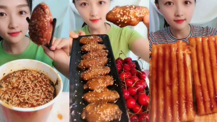 吃播大胃王:看姐姐吃泡面我也想吃了,吃过很多美食,还是泡面最好吃