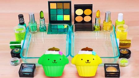用绿色和黄色蛋糕做无硼砂泥,加入唇膏和眼影,最后效果美哒哒