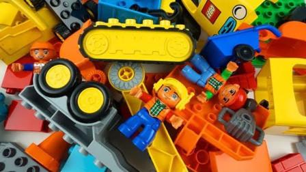乐高积木拼装工程车玩具和建筑