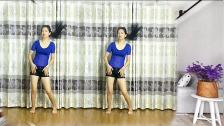 点击观看《鹤塘紫儿广场舞视频  怎么爱都爱不够 节奏动感》