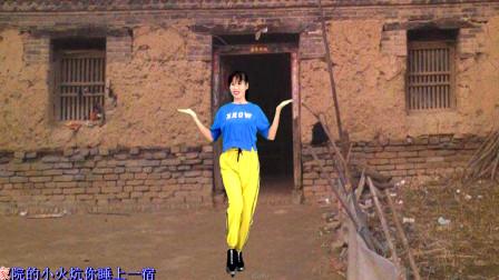 点击观看《阿采东北健身舞视频《东北爷们东北妞》》
