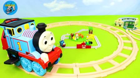 組裝木質圓形軌道車庫碼頭貨場,托馬斯小火車,輪船搬運貨物,兒童玩具親子互動