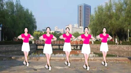 点击观看《驿城微笑32步水兵舞视频 醉在你怀里》