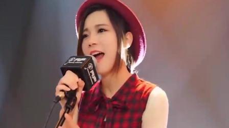 被煙熏過的嗓子!廣州美女翻唱動漫經典主題曲,妥妥的一波回憶殺