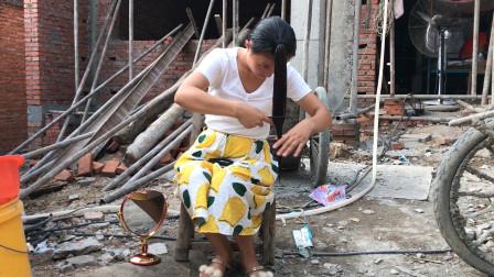 农村媳妇学网红在家剪头发,没想到效果这么好,媳妇高兴坏了