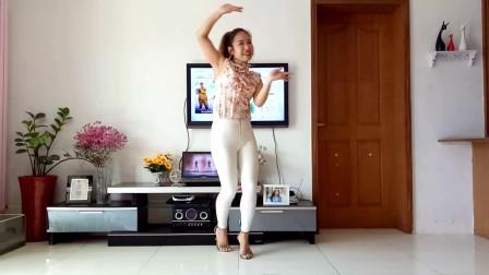 点击观看《中年妇女广场舞视频《千年等一回》 京京学跳风中天使舞蹈》
