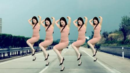 点击观看《中年精品广场舞《野花香DJ》 青青世界舞蹈视频》