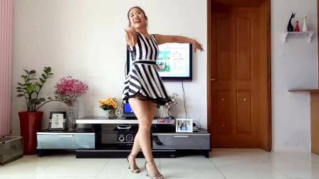 动感32步健身舞妹妹嫁给我吧舞蹈视频 京京学跳阿采广场舞