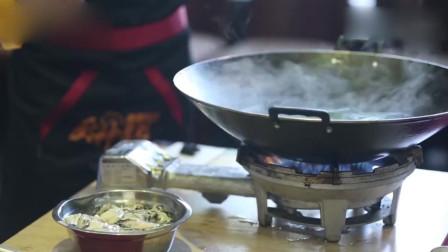《顺德美食》名厨厨艺高超,生蚝+鹅肝,刺激味蕾!