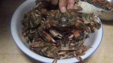 螃蟹不要只��蒸著吃,海�60�q大��教你�@�幼觯����r味美,真好吃