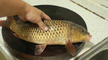 广西壮乡生鱼片,宰鱼放血很有讲究,配上简单的蘸料真是鲜美