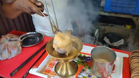 印度街头的特色奶茶,加热方式与众不同,不愧是开挂民族的美食!