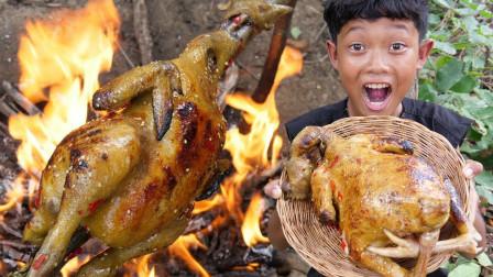 田园美食:小伙户外独享烧鸡,直接整只抱着啃看饿了