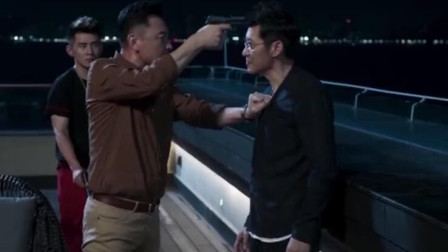 张晞临笑谈《破冰行动》拍摄趣事,差点掐死王劲松,演技爆棚