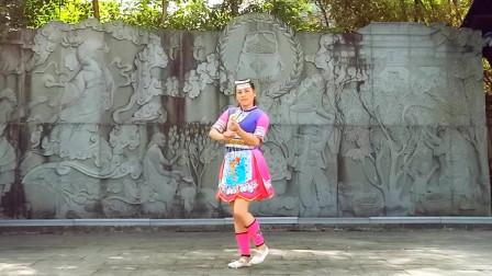 麦芽广场舞视频《阿哥阿妹》