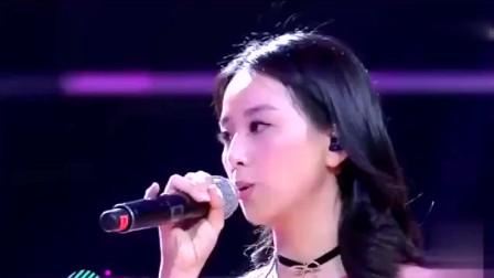 经典歌曲:《其实不想走》周华健突然上台,观众欢呼
