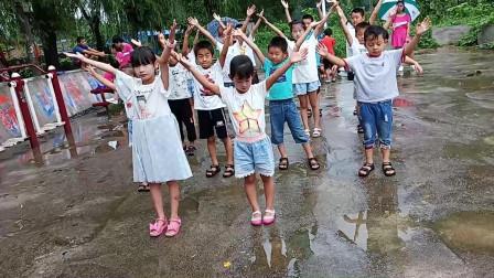 点击观看《幼儿舞一双小小手 简单学会舞蹈视频》