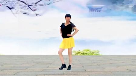点击观看《阳光美梅广场舞《野花香》网红32步脚步操,特别健身》
