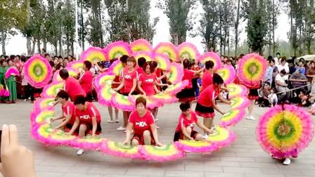 扇子舞变队形中国美 阿采广场舞