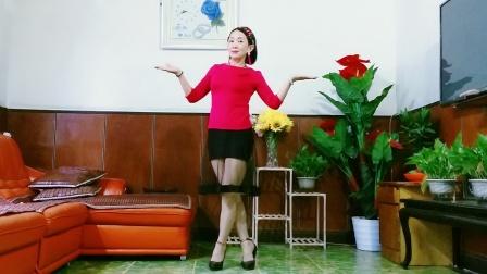 点击观看《初中室内健身舞回头看看我 静儿广场舞》