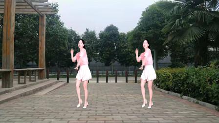广场舞大妈们跳动咸的32步傻女人 流行时尚