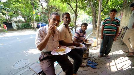 看看印度人怎么吃早餐?中国小伙拍摄于印度第3大城市