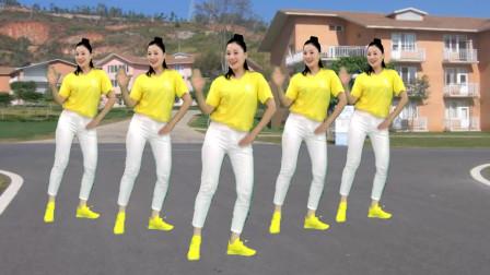 点击观看《喜庆舞蹈视频丁丁 青青世界28步鬼步舞》