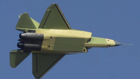 FC-31也分高中低版?高配版性能强悍,可碾压美F-35