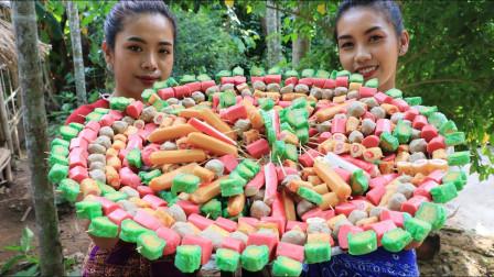 柬埔寨小姐姐真会吃,炸各种串用面包夹着吃 ,把我都看馋了