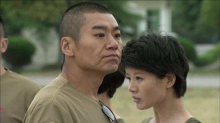 火凤凰:女兵对战教官,进了球本以为会得到鼓励,却被批评了