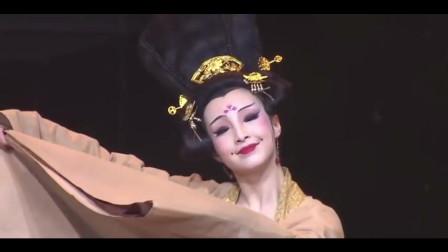 舞台表演古典舞《丽人行》