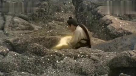影視:窮小伙用妻子嫁妝換條金魚,卻給放生了,誰知魚是龍王兒子