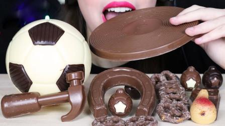 小姐姐吃创意美食,足球、锤头、唱片都是巧克力,好吃又好玩