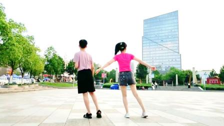 点击观看《麦芽鬼步舞视频 20步桑巴曳步舞一遍学会》