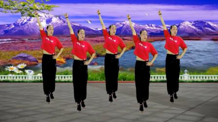 点击观看《活力广场舞《厉害了我的国》舞蹈动感时尚 活力十足》